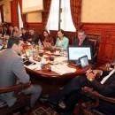 Correa se reune con el sector de transporte